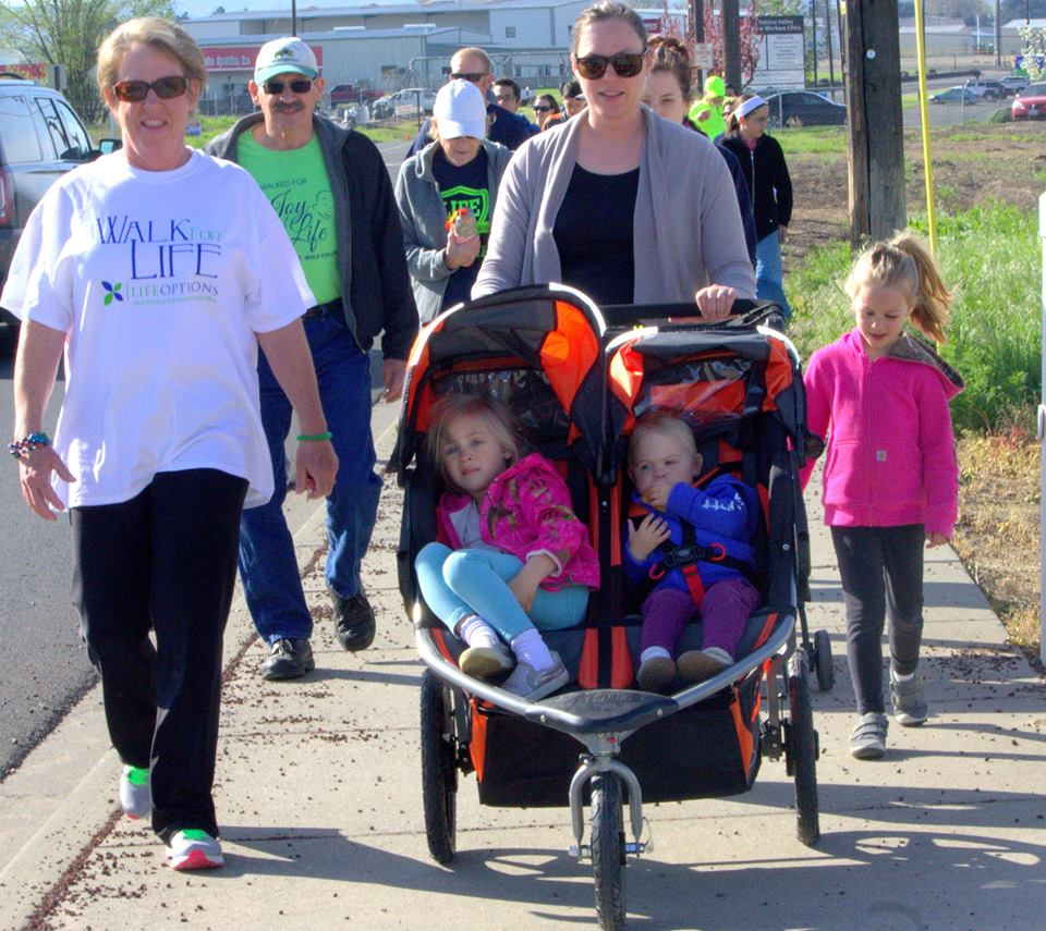 children at the walk for life